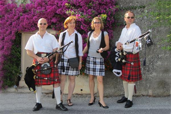 Lilith's Pipers Team at Pierrefeu  Lilith's Pipers, groupe de musique celtique et  cornemuse Toulon à Pierrefeu le 18 juin 2014